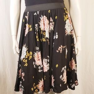 Torrid Black Floral Skirt size 1X
